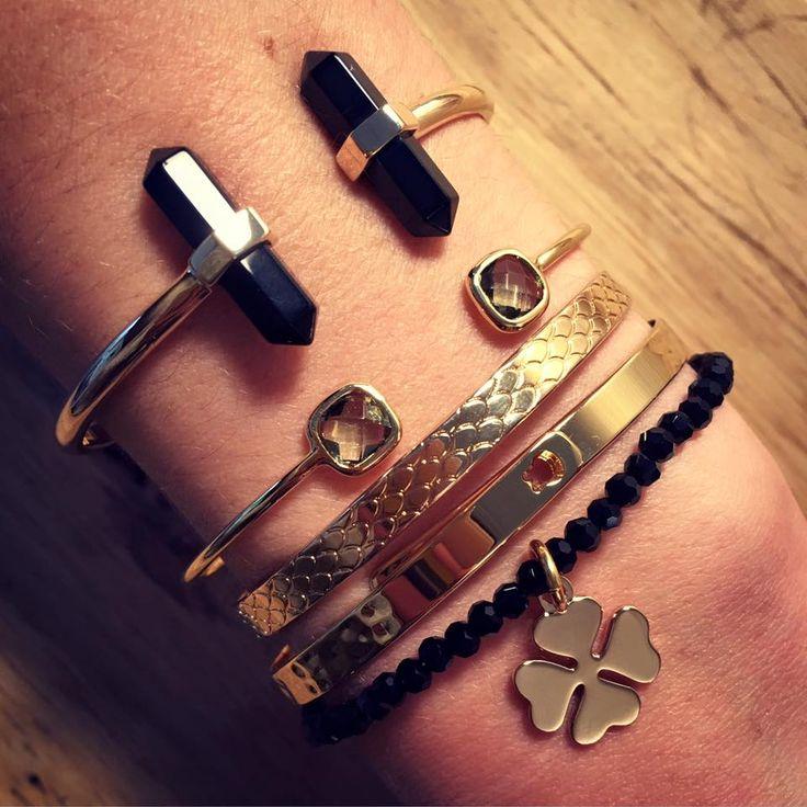 Composition de bracelet plaqué or noir - L'Atelier d'Amaya #bijoux #bracelet #or #trèfle
