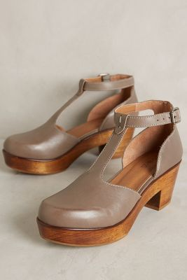 Kelsi Dagger Casablanca Clogs Grey