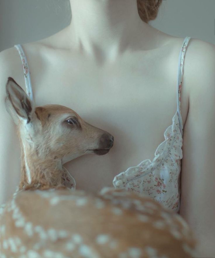 I adore Laura Makabresku's photography