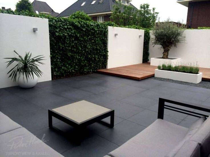 garden space laid to paving | adamchristopherdesign.co.uk