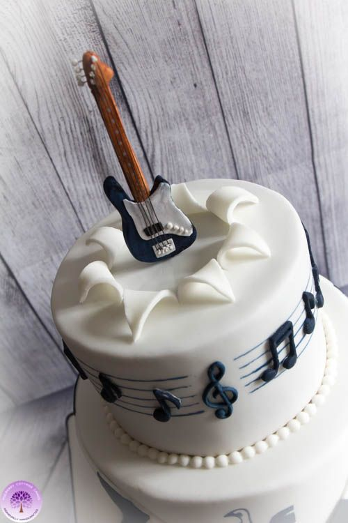 Best 25 Music cakes ideas on Pinterest Music birthday cakes