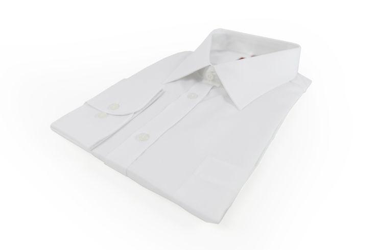 Koszula Omega w kolorze białym. Idealna na biznesowe spotkanie do eleganckiej marynarki w jednolitym kolorze. Skład: 100% bawełna.