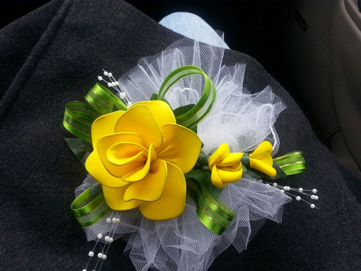 HH corsage... Exclusive Balloons ...love it :)