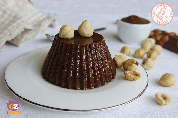 Il budino alla nutella è una ricetta facile e golosissima, senza uova che si prepara in poco tempo e che piacerà a grandi e piccoli.