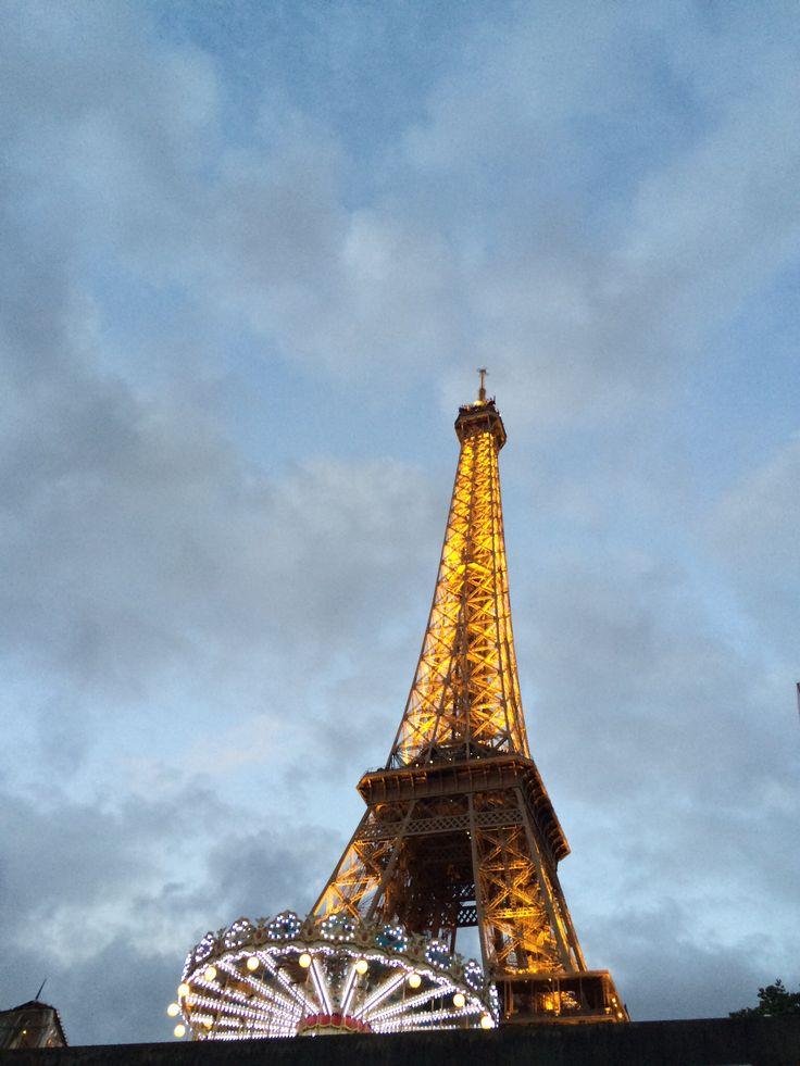 Carrousel in Paris.  By: Carolina Serrano