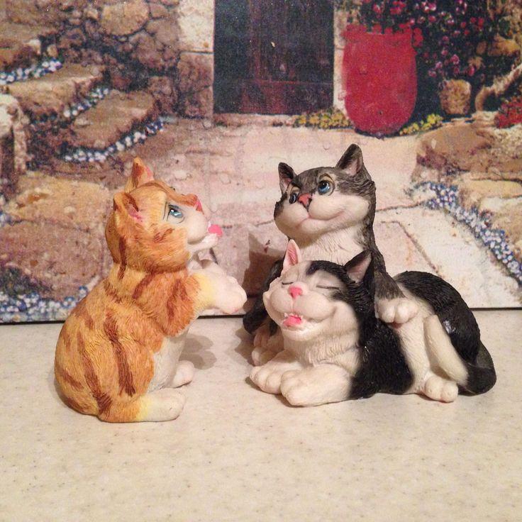 Фигурки котиков 🐈  За двоих – 300,   отдельно – по 200.   Коты лёгкие, маленькие   по 9 см в высоту