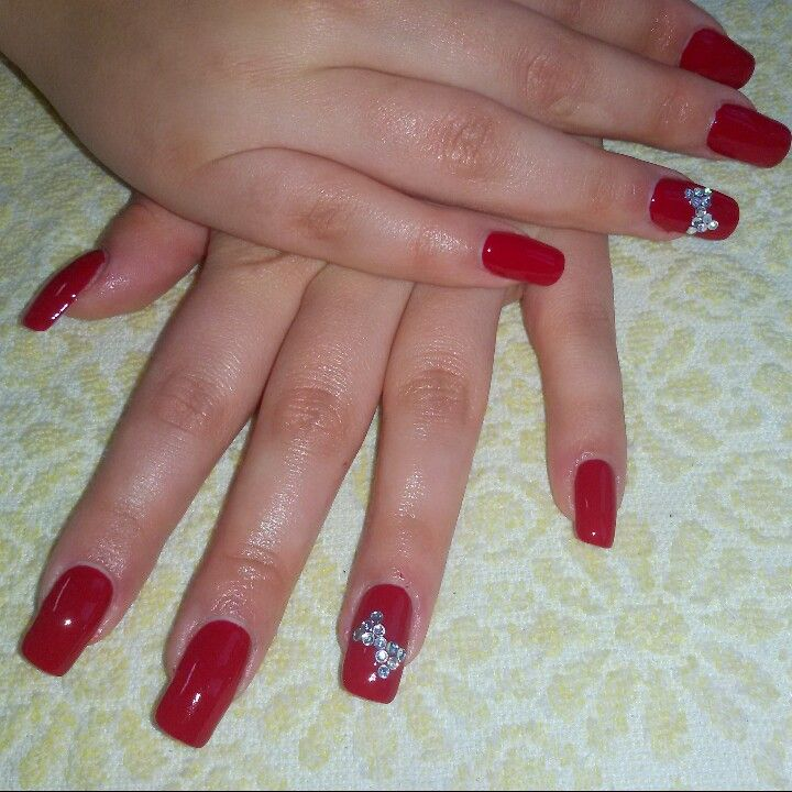 Square red nails