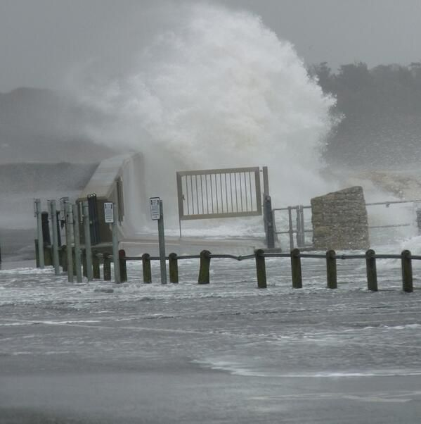 Very rough at Mudeford Quay this morning, 5th February 2014 #Storms