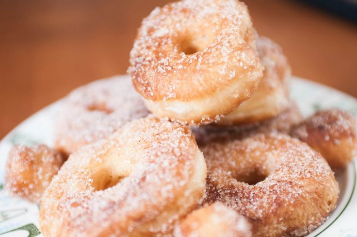 Easy homemade cronuts using Pillsbury croissant dough.  Need to try this!!!