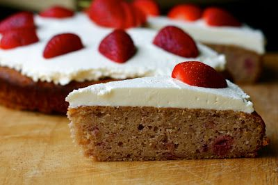 Domestic Sluttery: Gluten Free: Berry Polenta Cake