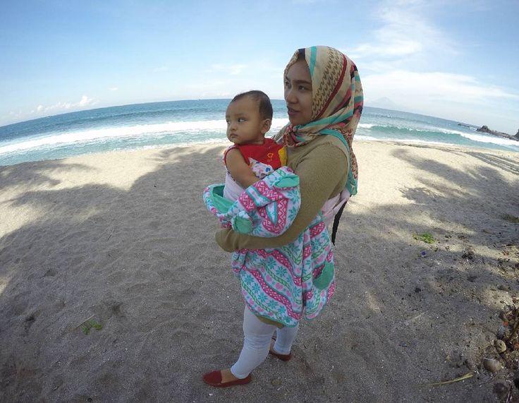 Coco beach in lombok indonesia #candid #holiday #babygirl #mylittleprincess #mylove #11042017 #lombok #nusatenggarabarat #ntb #mataram #BIL #bandarainternasionallombok #lomboknesia #instalombok #explorelombok #exploremataram #explorentb #instagram #travel #travellers #pesonaindonesia #visitlombok #lia #lombokinternationalairport  #gopro #goprohero4 #gopronesia #cocobeach #beahero http://tipsrazzi.com/ipost/1507961701478521055/?code=BTtWy2PhVjf