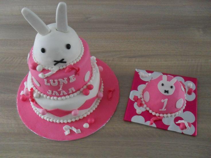 Nijntje stapel taart/ Miffy cake