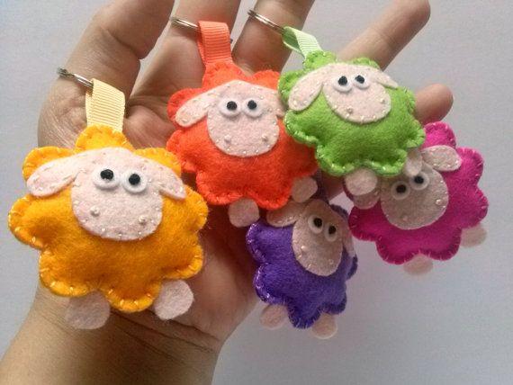 Felt keychain - Sheep wool felt keychain / colorful green yellow orange lilac pink gray sheep