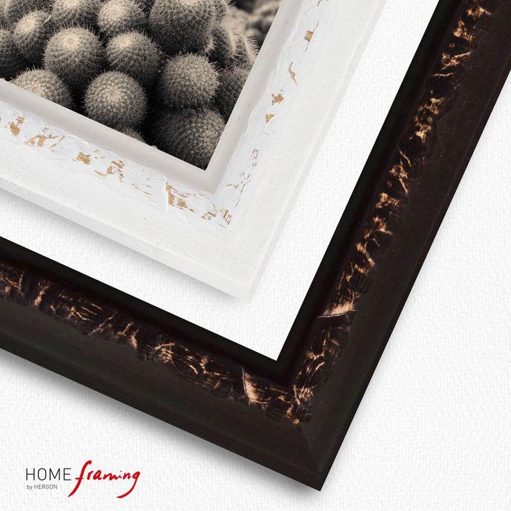 Molduras rústicas de madera grabada en decapé blanco o marrón.