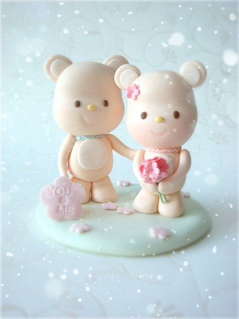 Bear cake toppers. Adorable.
