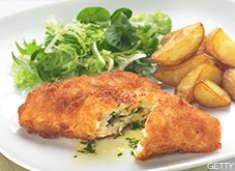 "Herb & Cheese Stuffefd Chicken Thighs...OMG did they say ""cheese""!Chicken Recipe, Chicken Thighs, Chickenkiev, Dinner Ideas, Sunday Dinner, Recipe Chicken, Dinner Recipe, Romantic Dinner, Chicken Kiev"