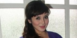 Terry Putri was born at Banjarmasin, South Borneo at December 1st, 1979. She is a TV Host, advertisement model, and actress. Terry Naharyana Enani...