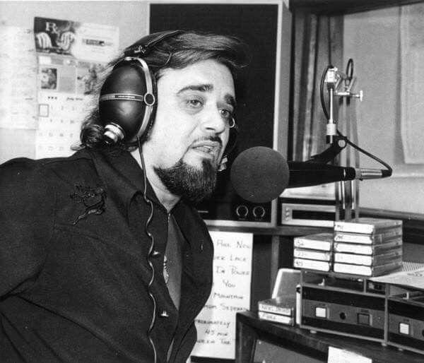 vintage-radio-show-photos-works-teen-nude-art