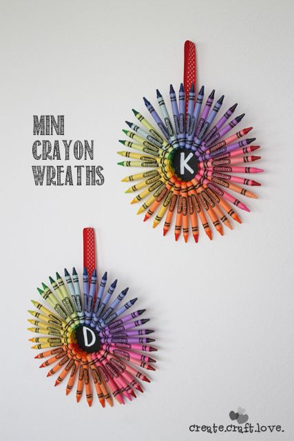 Add a splash of color to any space or classroom with these cool Mini Crayon Wreaths. | crayon hack art project