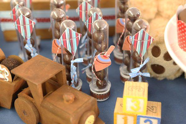 festinha-brinquedos-meninos-vermelho-azul-lollis-06