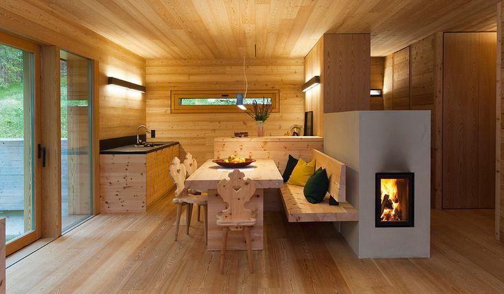 die besten 25 kachelofen ideen auf pinterest kachelofen modern moderner kamin fen und kaminofen. Black Bedroom Furniture Sets. Home Design Ideas