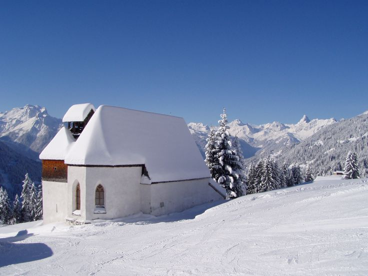 St. Agatha Kapelle am Kristberg im Montafon  https://www.kristberg.at/kultururlaub-montafon-agathakirche.html