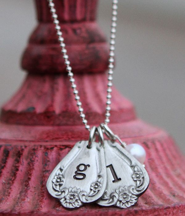 Vintage Spoon Necklace from @the vintage pearl I love this Southern Belle style!