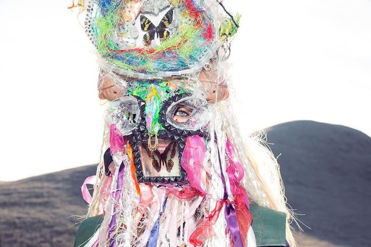 Eccentrically Dramatic Headdresses : The Ritual by Claudia Goetzelmann