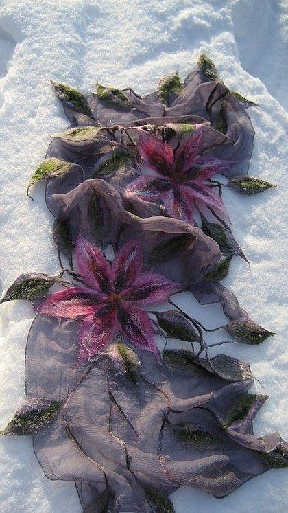 Felt scarf