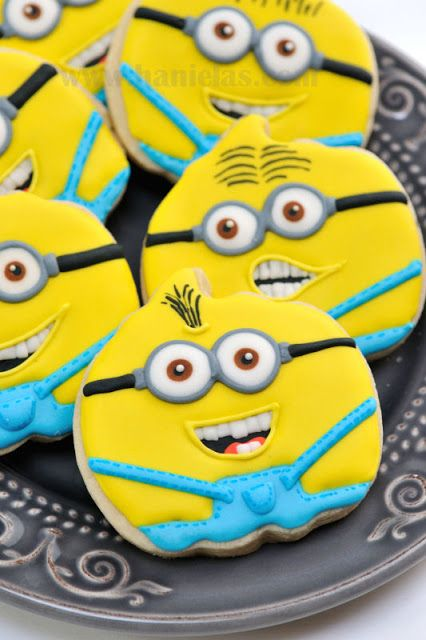 Haniela's: Despicable Me Minions Cookies
