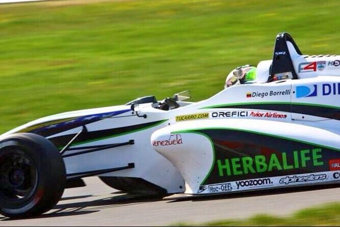 Diego Borrelli en su debut con Team Herbalife