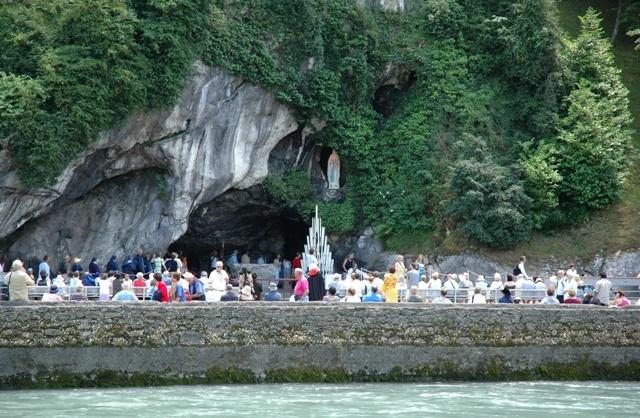 Lourdes, grotte des apparitions #lourdes #pelerinage #sanctuaire