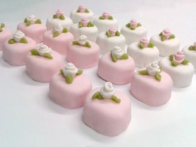 Svadobné torty, zákusky na svadbu, banketky, výslužky a slané pečivo | Svadba Danela www.danela.sk