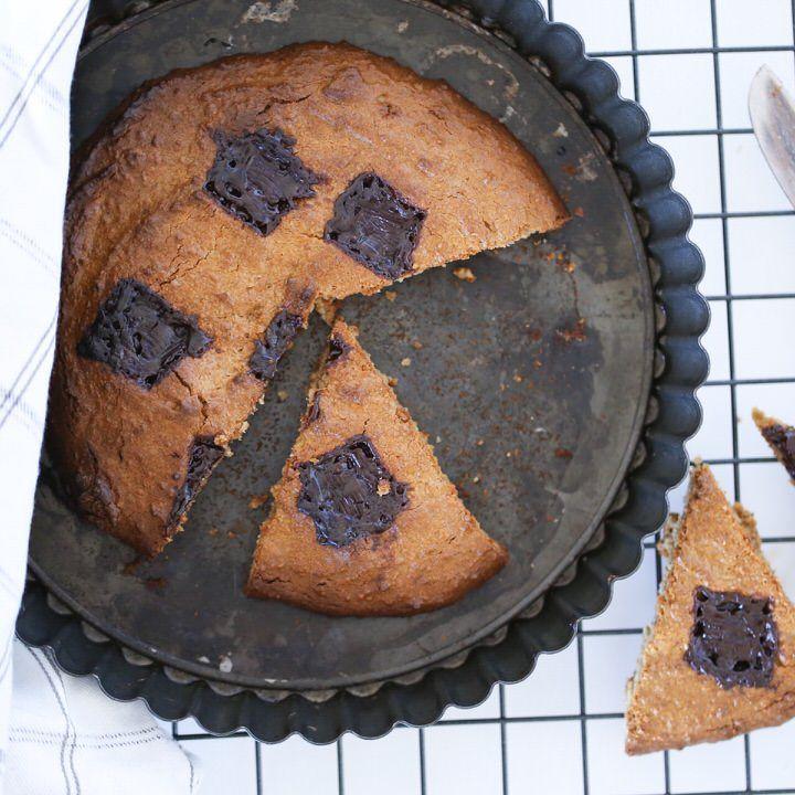 Giant cookies cake