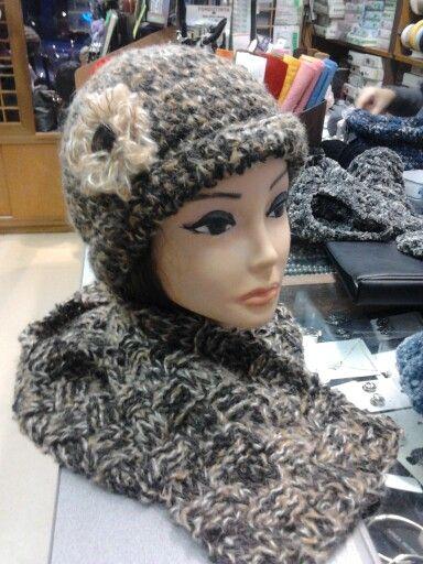 Cappello e sciarpa realizzati a mano!
