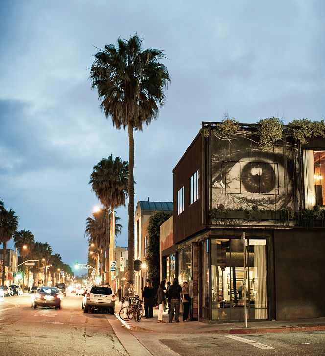 Spend an afternoon on West Hollywood's Robertson Avenue, where upscale department stores like Kitson and Intermix offer excellent chances to rub shoulders with celebs.