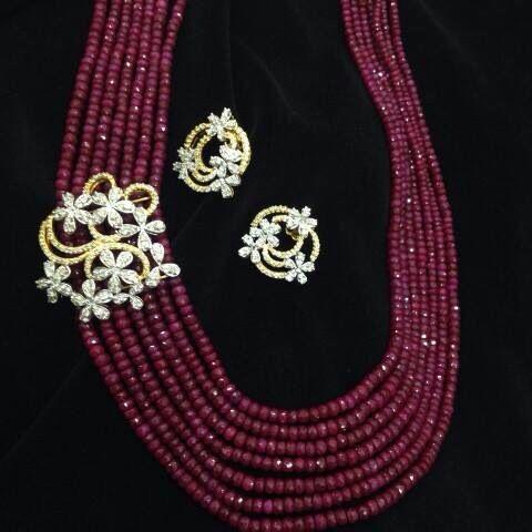Maroon pearl set