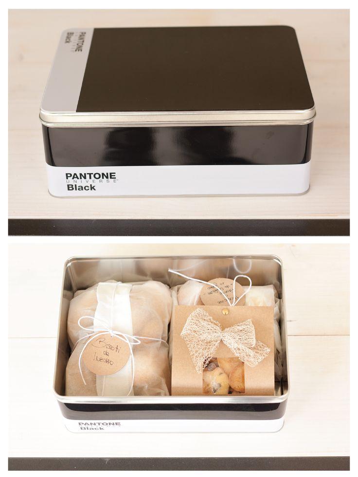 Pantone Biscuits box