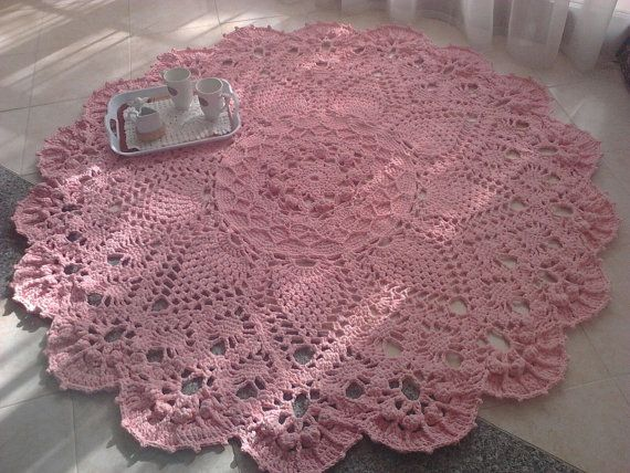 Big handmade cotton crochet carpet, Grande tappeto all'uncinetto di cotone fatto a mano