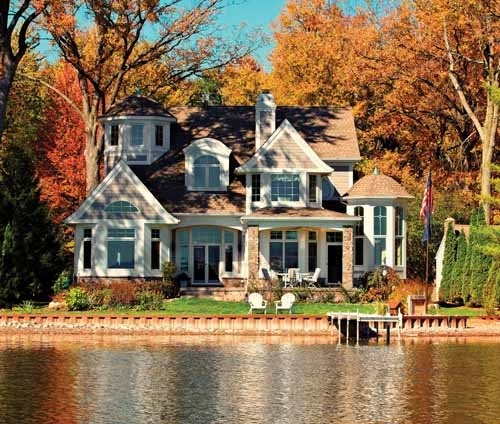 Although I love cute small houses.. THIS is my dream home!! Gorgeous!