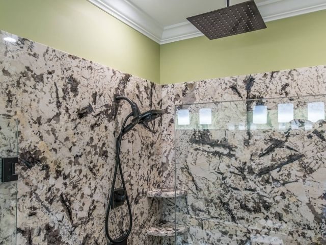 17 mejores im genes de delicatus white granite bathroom for Granito blanco delicatus