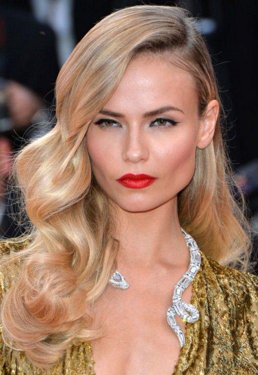 Uzun Sarı Saç Modelleri