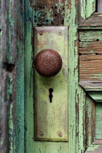 Contemporary Rusty Door And Decor