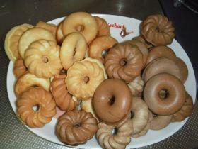 「もちもち焼きドーナッツ」mamiaaya | お菓子・パンのレシピや作り方【corecle*コレクル】