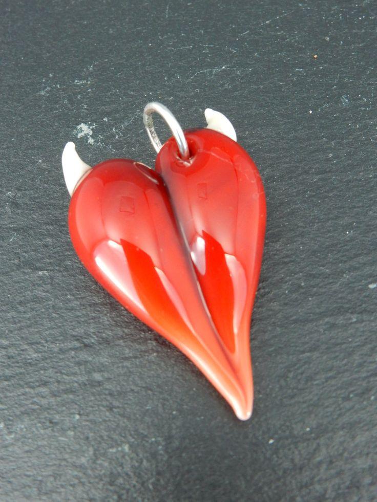 Wicked heart pendant,handmade door VandenBosGlaskunst op Etsy