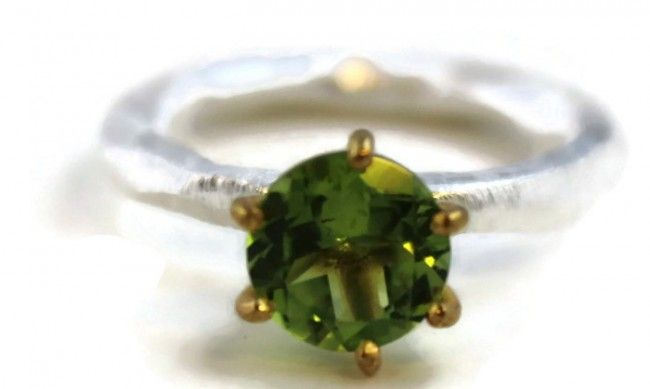 Chloe Peridot Ring (silver/vermeil)