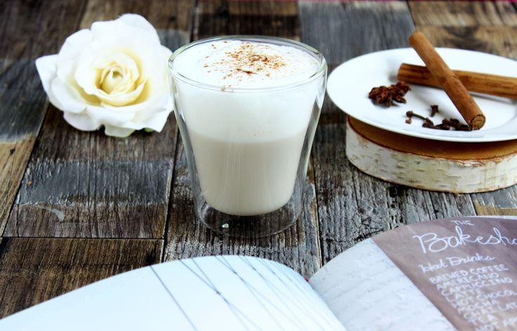 Das A und O bei der Zubereitung eines Chai Tees? Das sind defintiv die Gewürze! Der Chai lebt von seiner geschmacklichen Vielfalt, den verschiedenen Aromen und feinen würzigen Noten. Nur frische, g…