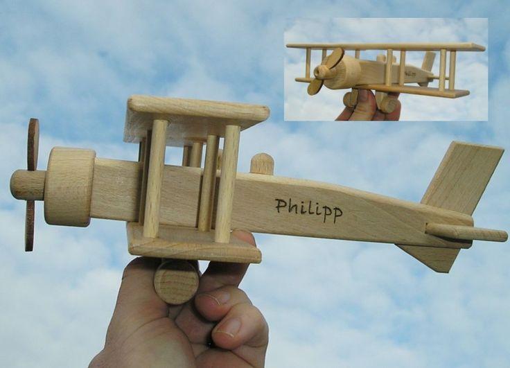 Grosse Doppeldecker Spielzeug Flugzeug aus Holz mit Text Gravur
