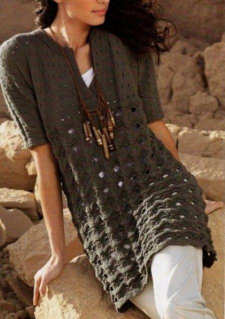 Lavori ai ferri: una tunica a maniche corte