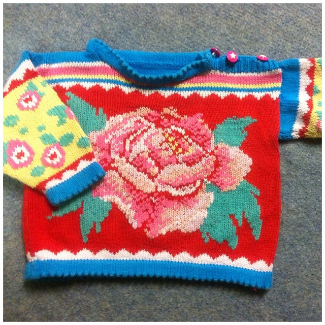 I made this sweater in 1994 for my daughter.. i lost the pattern, i know it's from a old Dutch magazine around 1993 Ariadne .. Who has this pattern avalable?